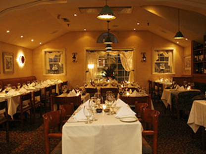 Blacksmith Bistro - Fine Dining Restaurants - 905-305-0503