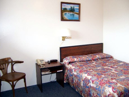 Marie's Restaurant & Motel - Out-of-Town Hotels & Motels - 709-673-3831