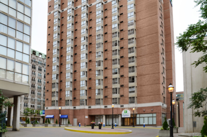 Holiday Inn Express Toronto Downtown - Motels