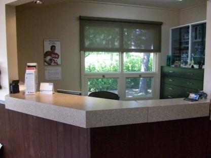 Clinique de Denturologie Vicky Chouinard et Alain Bellavance - Cliniques - 418-883-2380