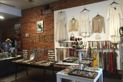 Vintagesoulgeek - Women's Clothing Stores