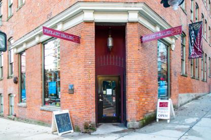The Buzz Cafe & Espresso Bar - Breakfast Restaurants - 604-732-9029