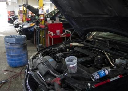 Centre De Collision Papineau - Réparation de carrosserie et peinture automobile - 514-360-4060