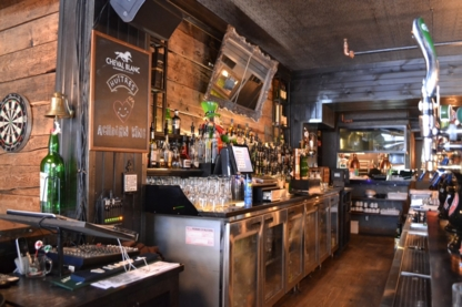 Le Trèfle - Taverne Irlandaise - Restaurants - 438-386-3737