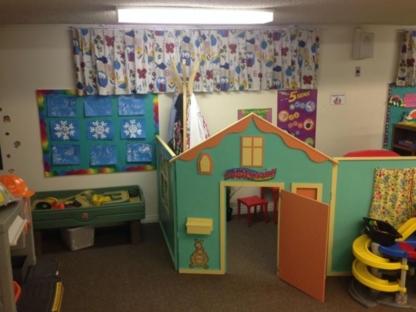 Helping Hands Early Learning Daycare - Kindergartens & Pre-school Nurseries - 780-757-4601