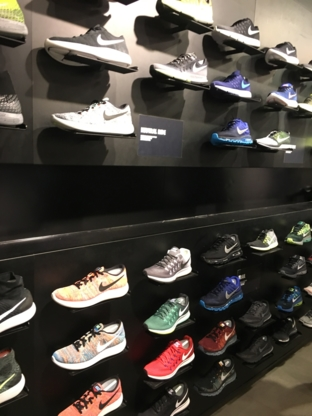 Nike Metrotown - Sportswear Stores