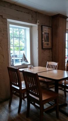 Dockside Grill - American Restaurants - 705-887-6983