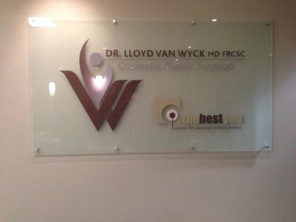 Dr Lloyd Van Wyck MD FRCS - Cosmetic & Plastic Surgery - 613-722-7912