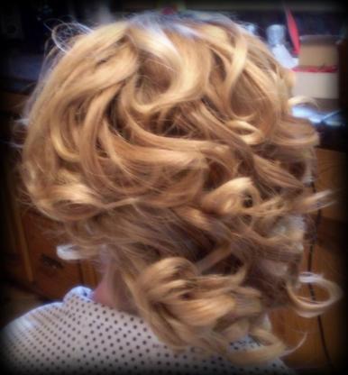 Pure Elegance Hair Salon - Salons de coiffure et de beauté - 705-424-7873