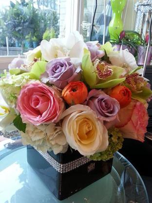 Sam Solis Florist - Florists & Flower Shops - 604-877-1945