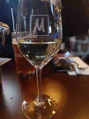 Brasserie Le Manoir - Restaurants de déjeuners - 514-695-2071
