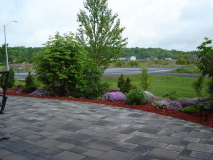 Kingston Interlocking Paving Stone - Concrete Contractors - 613-547-6411