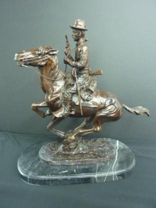 Love's Auctioneers & Appraisers Ltd - Antique Dealers