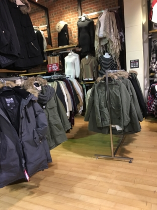 Urban Planet - Clothing Stores