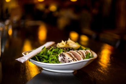 Eight 1/2 Restaurant Lounge - Dinner Theatre Shows - 604-568-2703