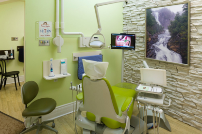 Axis Dental Group-Dr Terry Papneja & Associates - Dentists - 905-452-7111