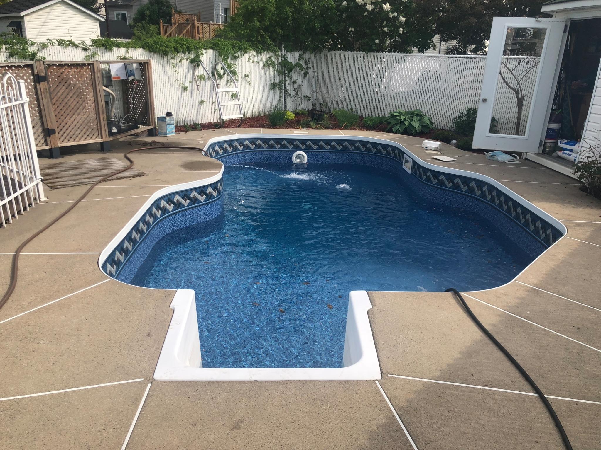Piscines et pompes sas horaire d 39 ouverture 3552 boul - Club piscine laval heures d ouverture ...