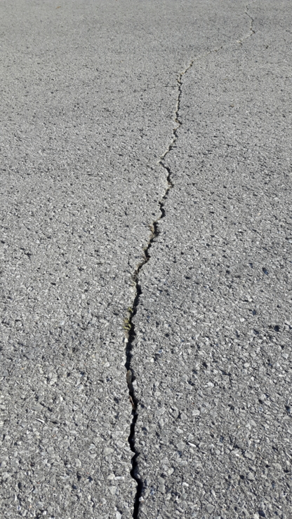 Kingston Driveway Sealing & Line Painting - Pavement Sealing - 613-634-1800