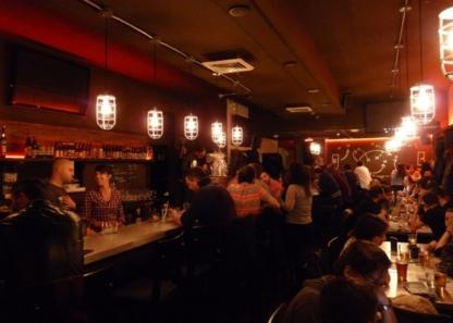 Bar Le Vestiaire - Pub - 514-564-3823