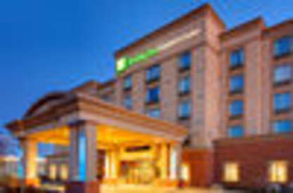 Holiday Inn Express & Suites Newmarket - Hôtels - 1-877-654-0228