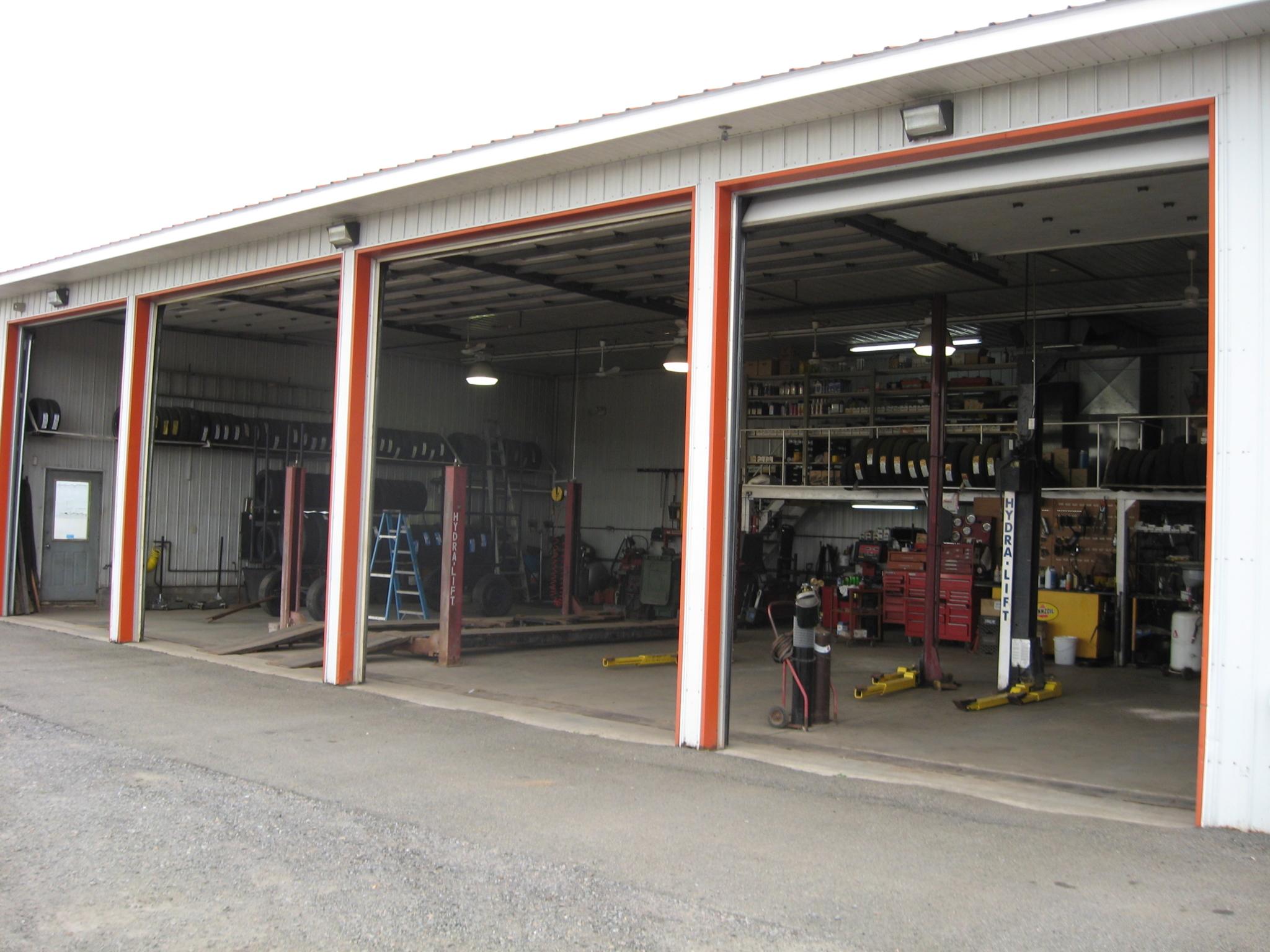 Lachapelle auto r nov 7 rue crooks rr 1 grenville qc for Garage renov auto