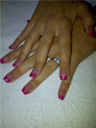 Stephanie Riendeau - Manicures & Pedicures - 514-557-4202
