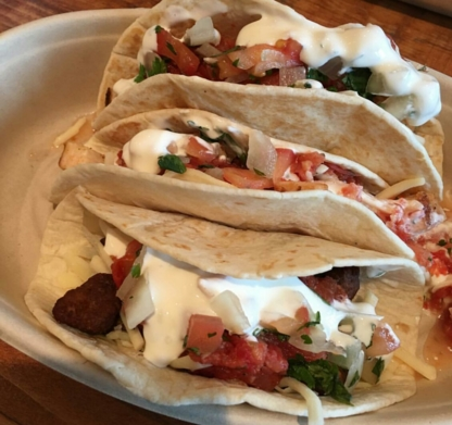 Mucho Burrito - Restaurants mexicains - 514-381-9393