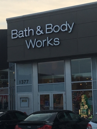 Bath & Body Works - Cosmetics & Perfumes Stores - 613-224-4000