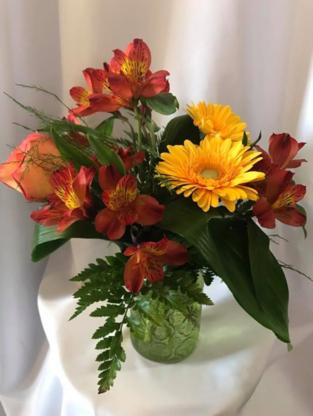Fleuriste St-Eustache - Florists & Flower Shops - 450-473-8108