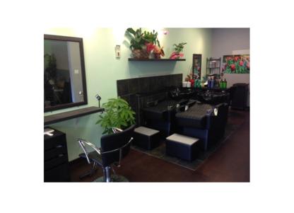 Blaze Hair Salon - Salons de coiffure et de beauté - 778-379-6673