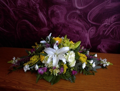 Bramble Bush Floral & Gift Shop - Florists & Flower Shops - 250-545-7263