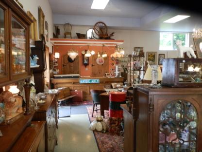 Arabski Donna - Antique Dealers - 519-664-0606