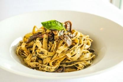 Castello Ristorante Antico - Vegetarian Restaurants - 905-264-9248