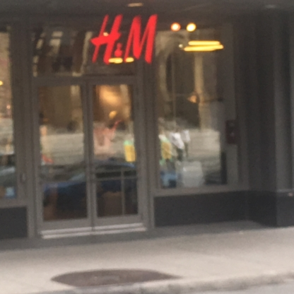 H&M - Women's Clothing Stores - 514-788-9535