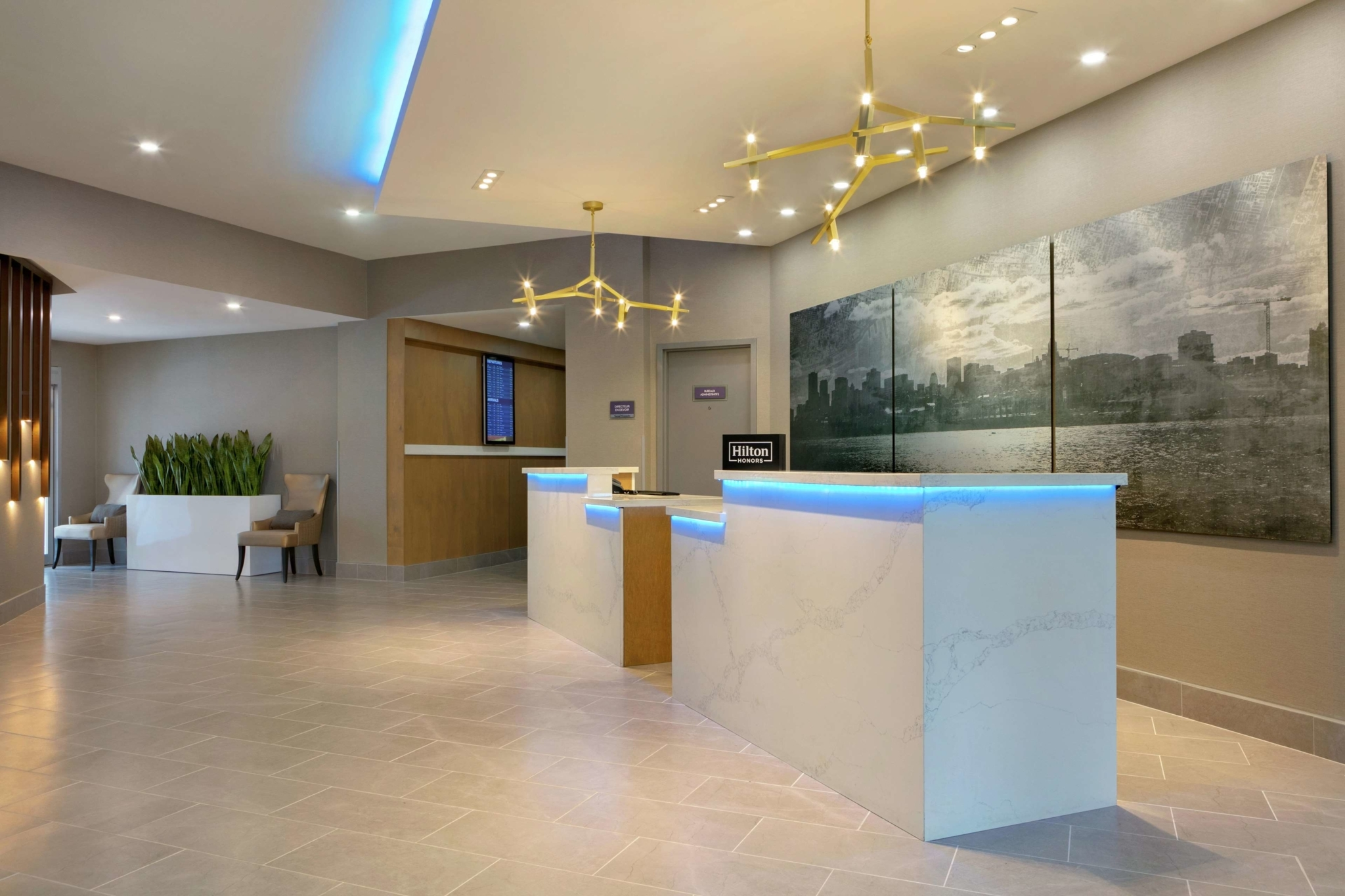Embassy Suites by Hilton Montreal Airport - Hotels