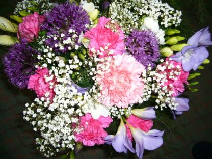 La Belle Fleur Floral Boutique Ltd - Florists & Flower Shops