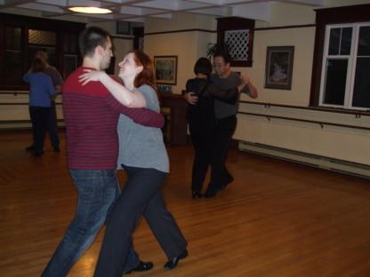 Knee Judy Dance Studio - Salles d'entraînement - 709-579-3233