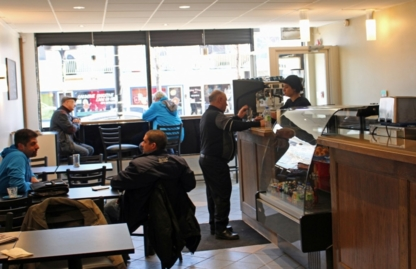 Cafe Bistro Napoli - Italian Restaurants - 514-922-2331
