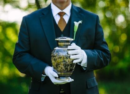 Bear Creek Funeral Home - Crématoriums et service de crémation - 780-830-7742