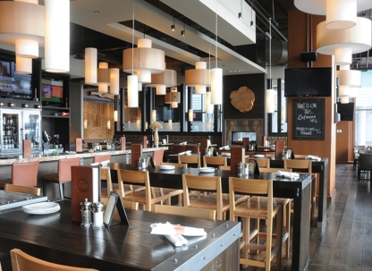 Against The Grain Urban Tavern - Harbourfront - Restaurants - 647-490-2472