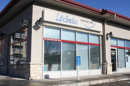 Lifesmiles Dental - Teeth Whitening Services