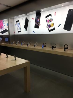 Apple Oakridge Centre - Electronics Stores