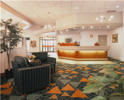 Quality Hotel & Conference Centre - Hotels - 780-791-7200
