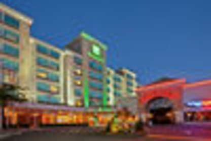 Holiday Inn Vancouver Airport - Richmond - Hotels - 1-877-654-0228