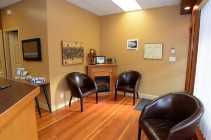 Voir le profil de Peninsula Denture Clinic Ltd - Victoria