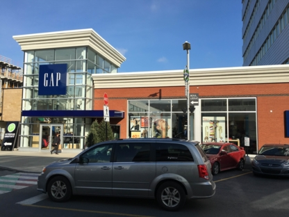 GAP - Women's Clothing Stores