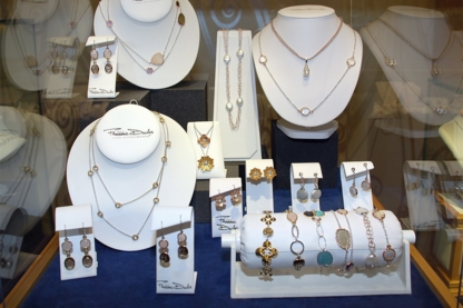 Adamas Goldsmiths Diamonds & Jewellery - Jewellers & Jewellery Stores - 780-434-9479