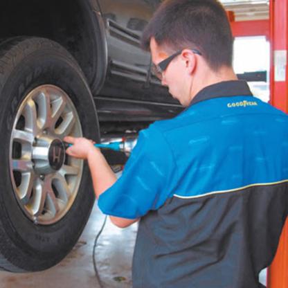 Mars Tire Inc - Tire Retailers - 905-657-1101