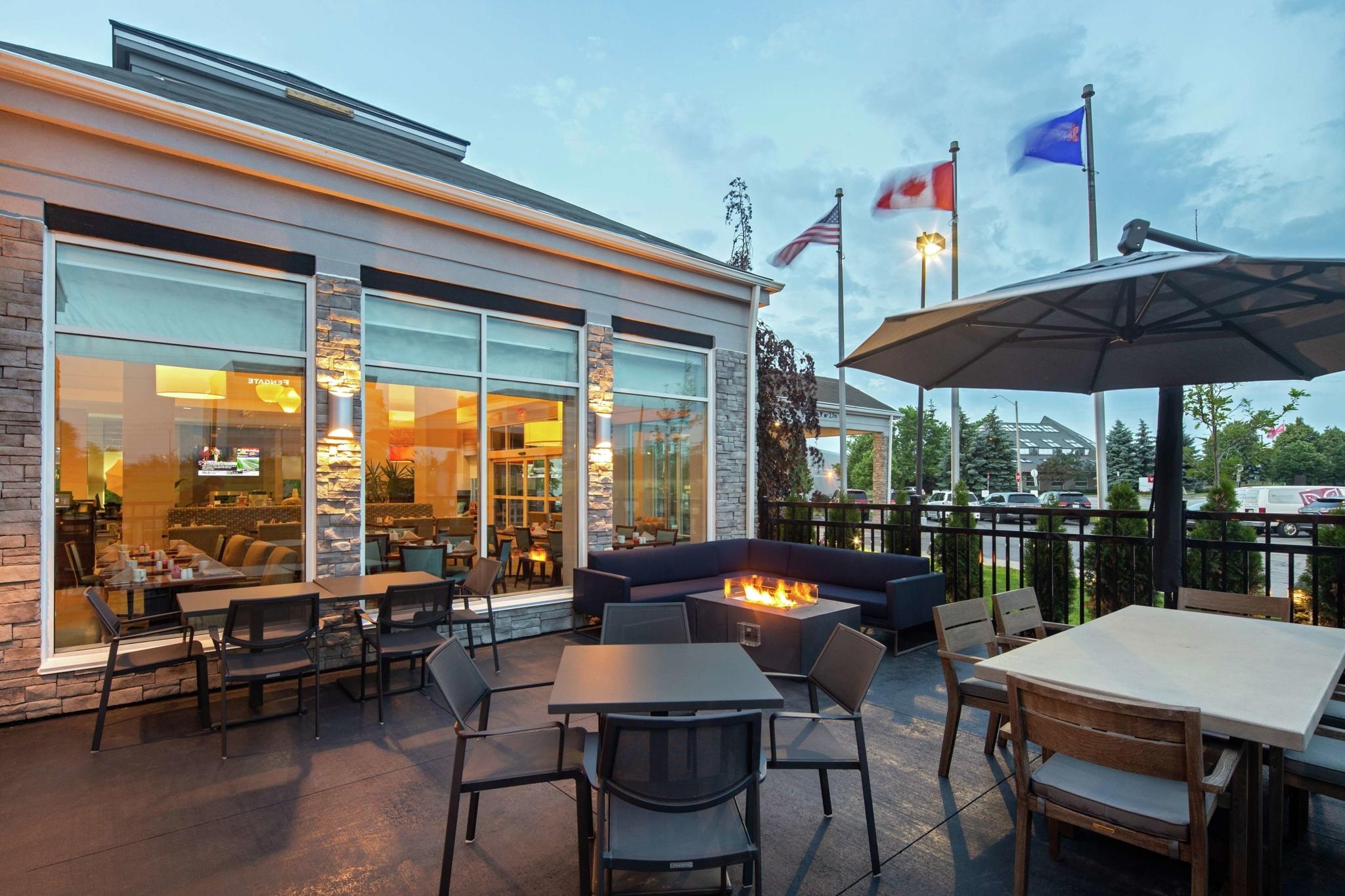 Hilton Garden Inn Toronto/Oakville - Hotels
