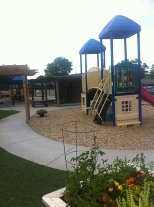 Acorn Christian Day Care - Kindergartens & Pre-school Nurseries - 519-641-8308